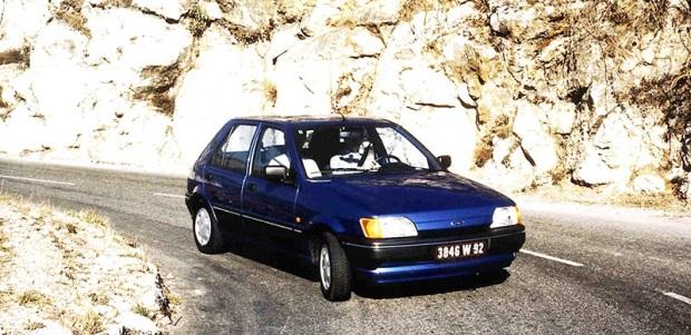 FordFiesta_5Door-1989