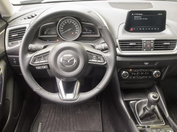 Mazda3_CD105_Challenge_01