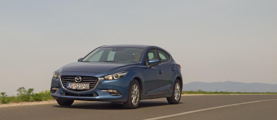 Mazda3_CD105_Challenge_03