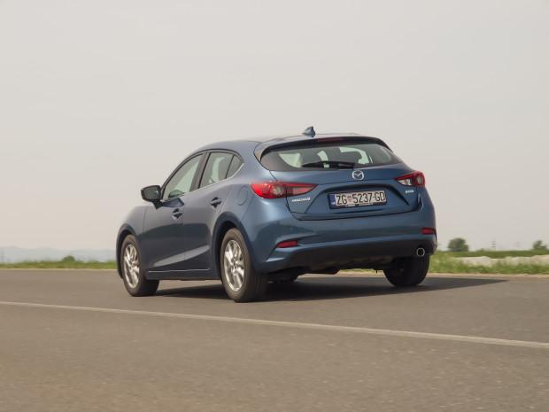 Mazda3_CD105_Challenge_05