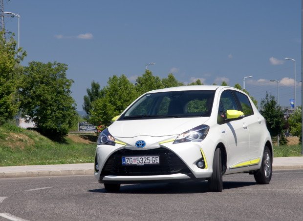 Toyota Yaris 1.5 HSD Trend Plus_01