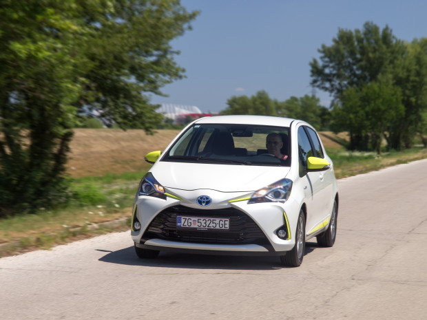 Toyota Yaris 1.5 HSD Trend Plus_03